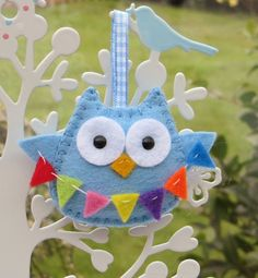 Owl with bunting