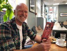 Tønsbergs Blad - Einar feirer med 25 kroner billetten: – Det er mye mimring og grining for tida, det er gøy Culture