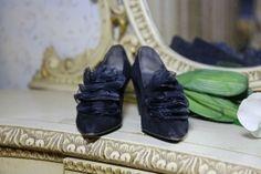 Svarta Mockaskor från Charles Jourdan - La Reine Inredningar All Black Sneakers, Womens Fashion, Clothing, Vintage, Shoes, Haute Couture, Cloakroom Basin, Outfits, Zapatos