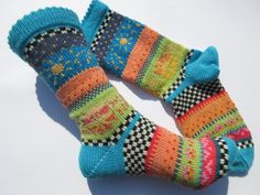 Socken - Socken Soare Gr. 38/39 - ein Designerstück von Lotta_888 bei DaWanda Crochet Socks, Knit Or Crochet, Knitting Socks, Hand Knitting, Knitting Patterns, Woolen Socks, Crazy Socks, Happy Socks, Designer Socks