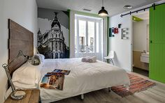 Best youth hotel in Madrid really, selected by the guardian as one of the best in Europe.