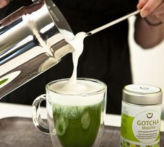 Matcha powder is a great natural energy booster and aids in Fat-Burning!