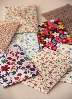 Handmade floral print envelopes.  Looks like fat quarters used for quilting.  Would love to see one of these special envies arrive in the box with my snail mail!
