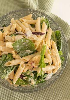 Hirsitalon keittiössä: Vappubrunssi osa 4: Kanacaesarpastasalaatti Cabbage, Pasta, Vegetables, Food, Vegetable Recipes, Eten, Veggie Food, Cabbages, Noodles