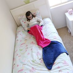 Girls Mermaid Tail Blanket in Magenta Pink & Blue Girls Mermaid Tail, Mermaid Shell, Mermaid Tails, Mermaid Kids Rooms, Mermaid Room, Mermaid Photo Shoot, Mermaid Photos, Mermaid Cupcakes, Magenta