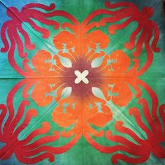 Just cut! Fabric handdyed by @must_hawaiianquilt  Pattern by Poakalani  #quilt #hawaiianquilt #hawaiianart #appliquequilt #crab #octopus