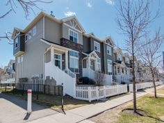 SOLD OVER LIST PRICE IN 7 DAYS!  Anyone looking for a great townhome with double attached garage in McKenzie Towne?