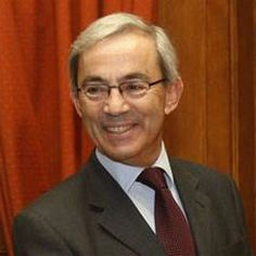 Christopher Pissarides (born 1948), winner of the 2010 Nobel Prize for Economics for his contributions to the theory of search frictions and macroeconomics.