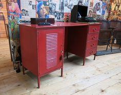 BUREAU LIVERPOOL FER ROUGE  Z&P, une boutique conviviale: 600m² d'exposition, dépôt-vente, brocante, atelier à Cholet.