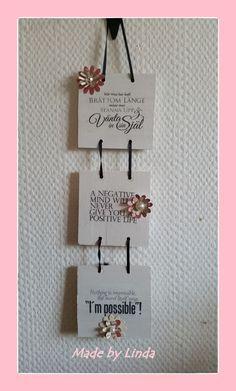 Tre små tavlor i följd gjorda av Biltemas trästickor för att påminna mig om bra…