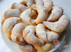 Recept Plněné tvarohové rohlíčky jako z časopisu Czech Recipes, Ethnic Recipes, Eastern European Recipes, Food Porn, Bagel, Apple Pie, Amazing Cakes, Coco, Sweet Recipes