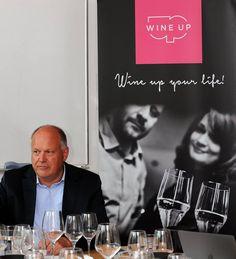 """Intenzivní čtyřdenní kurz WSET Level 3 Award in Wines a jeho účastníci v čele s Frankem Smuldersem MW. Jak Frank řekl """"it was a good group""""  :) A my si myslíme totéž! :) Děkujeme, bylo to s vámi moc fajn!"""