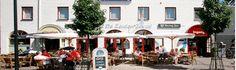 Hostellerie De Maasduinen       Kom genieten aan de Markt in Velden     In Hostellerie De Maasduinen wordt de Gastvrijheid al meer dan 60 jaar met de hoofdletter G geschreven. De accommodatie bestaat uit een hotelgedeelte, een intiem restaurant en een ijssalon en leent zich uitstekend voor groepsactiviteiten, zoals bijvoorbeeld een Casino à la Carte, Crazygames of een Holland Surpriseparty.
