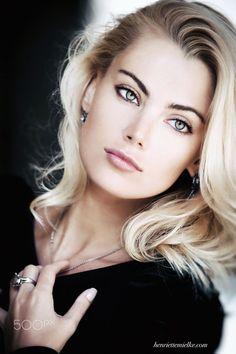 Soy un fiel admirador de la belleza en todas sus expresiones y la mujer es la número uno.