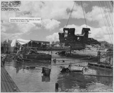 Pearl Harbor Historical Photos: USS Arizona - Lifting Underwater Wreckage Aft of Conning Tower Uss Oklahoma, Remember Pearl Harbor, Uss Arizona Memorial, Us Battleships, Us Navy Ships, Pearl Harbor Attack, Naval History, Aircraft Carrier, World War Two