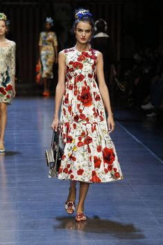 FASHION PEOPLE | Показ женской коллекции Dolce&Gabbana лето 2016