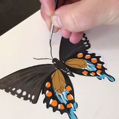 How to start making the basics of ribbon embroidery stitches! 😍 By: DIY Stitching Butterfly Acrylic Painting, Butterfly Drawing, Blue Butterfly, Borboleta Diy, Art Mini Toile, Gauche Painting, Art Papillon, Black Canvas Paintings, Gold Leaf Art