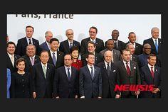 Paris2015, '기후변화 정상회의' 참석. 박근혜 대통령, 반기문 유엔 사무총장, 프랑수아 올랑드 프랑스 대통령, 시진핑 중국 국가 주석.  2015.11.30. 프랑스 파리에서  the United Nations Climate Change Conference,  Paris,  France.  朴槿惠 Park Geun-hye , President  of France  Francois  Hollande  . Participants at the Paris meeting will include U.S. President Barack Obama, China's  习近平  Xi Jinping, Russia's Vladimir Putin, and U.N. Secretary-General Ban Ki-moon.