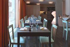 L'Abbate Italia: BREAK table | Laboratorio creativo l'abbate. LIVIA chair | Gio Ponti.