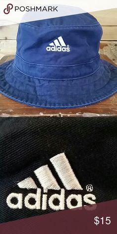 Adidas navy blue bucket hat Adidas navy blue bucket hat.  100% cotton. Adidas Accessories Hats