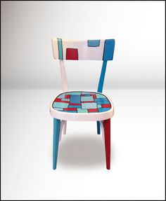 Crate Furniture, Recycled Furniture, Paint Furniture, Cool Furniture, Hand Painted Chairs, Funky Painted Furniture, Funky Chairs, Old Chairs, Chair Makeover