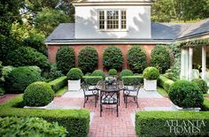 Boxwood is so beautiful and love the hedges 17 Simple and Beautiful Backyard Landscaping Ideas for Beautify Your Garden Agus The finished patio and garden features dryla. Boxwood Landscaping, Boxwood Garden, Garden Shrubs, Backyard Landscaping, Landscaping Ideas, Boxwood Hedge, Landscaping Software, Landscaping Melbourne, Style Country Club