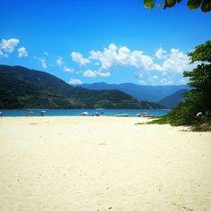 Quer indicação de um local com paisagens cinematográficas? Ilha do Prumirim, um paraíso de areia branca, águas verdes e cristalinas, no litoral paulista. Foto: @murilo.empke.