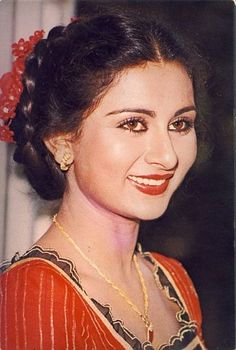 Poonam Dhillon Indian Celebrities, Bollywood Celebrities, Beautiful Celebrities, Beautiful Actresses, 80s Actresses, Indian Actresses, Beautiful Bollywood Actress, Most Beautiful Indian Actress, India Actor