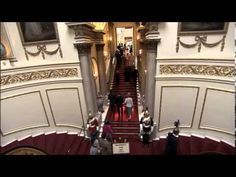 Wonderful documentary of Buckingham Palace : shows rooms and corridors I've not visited. Palais De Buckingham, Buckingham Palace London, Visit Windsor Castle, Uk History, Elisabeth Ii, Royal Residence, British Royal Families, Royal Life, Royal Palace