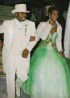 """When Nas walked down the aisle with """"Milkshake"""" singer Kelis, the diva opted for a green gown Celebrity Wedding Photos, Celebrity Wedding Dresses, Celebrity Weddings, Celebrity Couples, Celebrity Style, Jessica Biel, Sarah Jessica Parker, Nas And Kelis, Non White Wedding Dresses"""