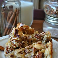 Fans of pecan pies and comfort food will want to make Unbelievable Pecan Pie Bread Pudding NOW. This gooey bread pudding recipe tastes like your favorite homemade pecan pie, but it's much softer and far more indulgent. Pecan Pie Bread Pudding, Bread Puddings, Southern Bread Pudding Recipe, Best Bread Pudding Recipe, French Toast Bread Pudding, Pecan Pie Cobbler, Banana Pudding, Just Desserts, Delicious Desserts