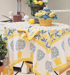 Couleur Feather Lemon Tree Yellow-Blue Tablecloths, Runners, Napkins