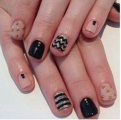 #nails #strips #gold #black