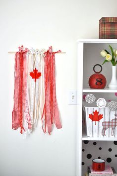 Patriotic Canada Day Ribbon Flag - easy to make DIY project for Canada Day (or re-create with a different flag in different colours) Canada Day Flag, Canada Day Party, Canada Day Crafts, Red And White Flag, Diy Ribbon, American Crafts, Easy Diy Crafts, Diy For Teens, Holiday Crafts