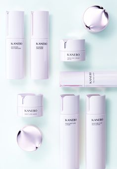Make Your Life a Masterpiece. Kanebo is a global cosmetics brand with a skincare line based on Chrono beauty. Kanebo brings out luster and depth for your satisfaction, expressing your life as a masterpiece. [Skincare] Feel the. Cosmetic Design, Cosmetic Sets, Skincare Packaging, Cosmetic Packaging, New Cosmetics, Cosmetics & Perfume, Makeup Package, Kanebo, Makeup Brands