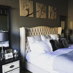 Our Jameson Bed looks chic and sophisticated in @craftycorridor's bedroom.