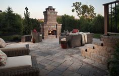 Patio Projects and Ideas to Inspire You. The Stone Store carries a huge selection of pavers, porcelain tile, natural stone and flagstone for all your patio projects. Check out are project gallery for the perfect patio. Concrete Patio Cost, Outdoor Patio Pavers, Paver Walkway, Brick Pavers, Backyard Patio, Driveway Pavers, Patio Seating, Cabana, Patio