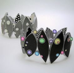 Dot bracelets white, black, & color by JUDY BELCHER. Made from polymer clay. Polymer Clay Bracelet, Polymer Clay Canes, Polymer Clay Projects, Polymer Clay Creations, Clay Crafts, Metal Clay, Play Clay, Diy, Polymers
