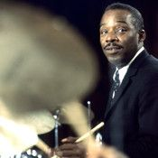 The Drummer Who Invented Jazz's Basic Beat - Kenny Clarke performs at the Montreux Jazz Festival in 1968. Jazz Artists, Jazz Musicians, Drum Lessons For Kids, Montreux Jazz Festival, Drum Tattoo, Art Of Noise, All That Jazz, Miles Davis, Music
