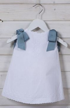 Jesusito Lazos Azul Www.E Bambino - Diy Crafts Little Girl Fashion, Kids Fashion, Toddler Outfits, Kids Outfits, Baby Dresser, Baby Girl Christening, Unicorn Dress, Easter Outfit, Dresses Kids Girl