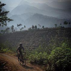 Dry season cycling. #cyclingindonesia #ratjoencyclingclubmlg #indonesia #blacksheepcycling #wymtm #viewtoridefor #fromwhereiride by choonweitay