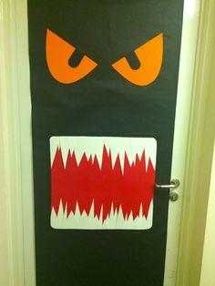 Halloween Door Design