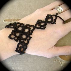 Needle Tatting and other Nonsense: tatted slave bracelet