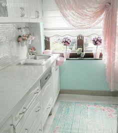 Beyaz mutfak, Mutfak, Pembe, Yeşil