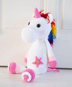 Mijn oudste dochter zit momenteel in een paarden-fase.. Eerder hadden we een dino-fase, een zebra-fase.. en nu zijn het paarden En dan...