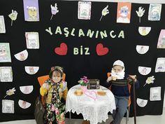 Okul öncesi yaşlılar haftası panosu Pre School, Montessori, Origami, Diy And Crafts, How To Plan, Origami Paper, Origami Art