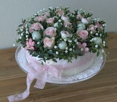 Deco Floral, Floral Cake, Art Floral, Wedding Centerpieces, Wedding Table, Fruit Flower Basket, Grave Flowers, Modern Flower Arrangements, Decoration Inspiration