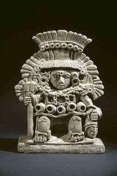"""""""Заново одетый"""" – дословное значение имени ацтекского божества Шипе-Тотека. Шипе-Тотек ассоциировался с началом весны, посевов, со всем тем, что несет жизнь. Церемонии и празднества, посвященные этому богу, происходили весной, во время прихода Нового Солнца.   Месоамерика. Сапотеки. V в. Сосуд из Монте-Альбан."""