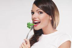 Nechcete počítat kalorie? Volte jídla, jejichž trávením spálíte víc energie, než kolik jí obsahují.