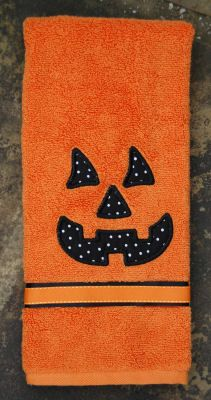 Free Designs & Projects :: Pumpkin Face - Embroidery Garden In the Hoop Machine Embroidery Designs